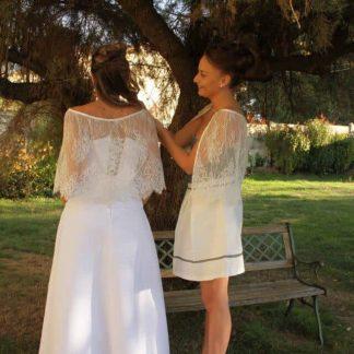 cape de mariée en dentelle blanc cassé