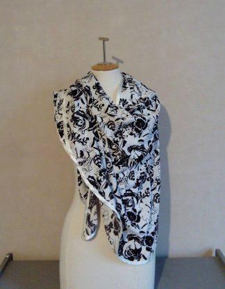 Étole, châle en micro fibre, imprimé floral noir et blanc