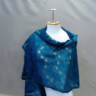étole, châle en dentelle, châle, étole en dentelle, accessoire,etole bleu , châle bleu , foulard bleu