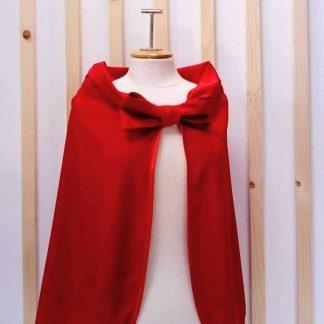 cape rouge votre accessoire mode pour l'hiver