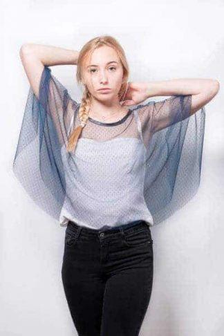 poncho bleu marine, accessoire pour tenue de cérémonie a l'atelier de la couture
