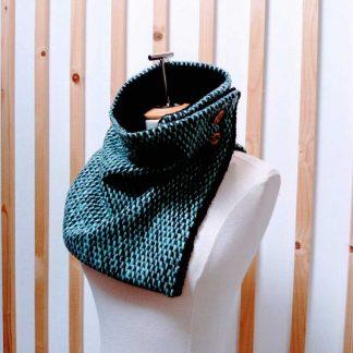 Col Boutonné, Snood, en laine couleur turquoise doublé en polaire
