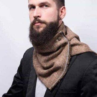 col boutonné, snood faux col en laine moucheté marrondoublé du même tissusse ferme par 2 boutons en métal. Parfait pour un hiver au chaud,pour homme et femme