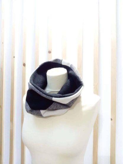 Snood, écharpe, foulard, cache nez
