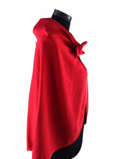 cape rouge, accessoire de mariage pour votre tenue de cérémonie