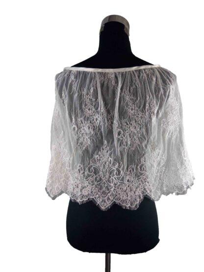 poncho en dentelle, cape en dentelle, accessoire robe de mariée la roche sur yon, a l'atelier de la couture