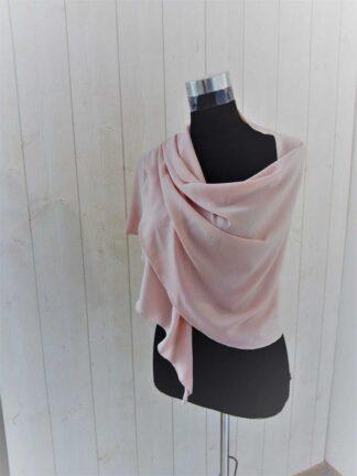 Etole chale en crépe gaufré rose poudrée