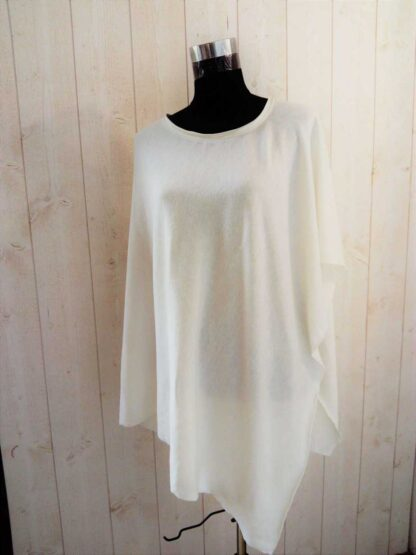 Poncho en jersey de laine ivoire