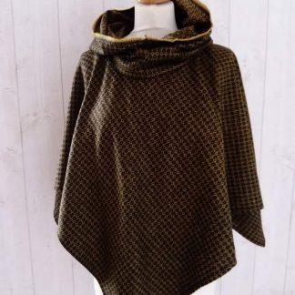 Poncho à capuche en laine Noir & Moutarde