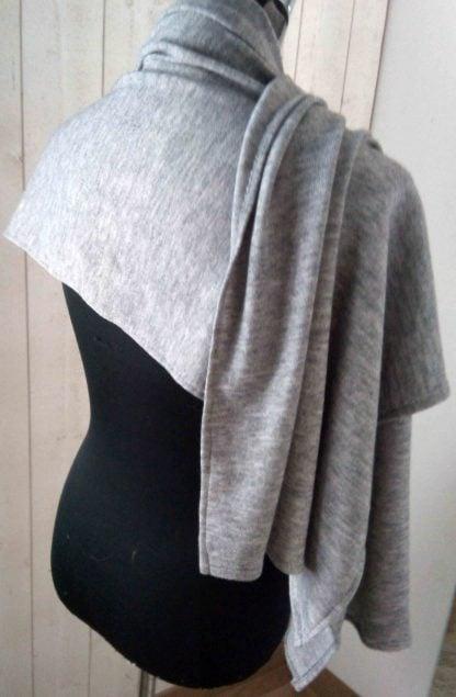 châle gris en jersey