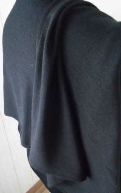châle noir en jersey