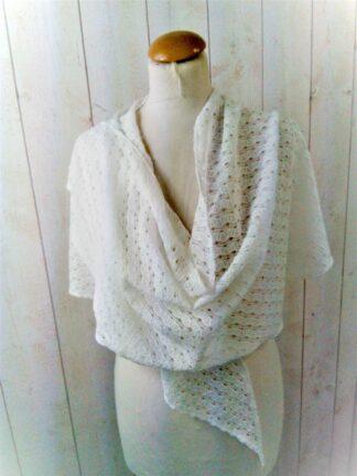 Étole châle en crochet blanche