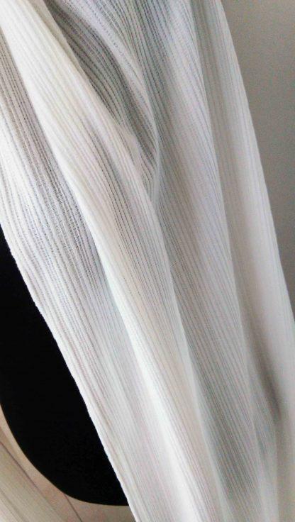 châle en laine a maille fine