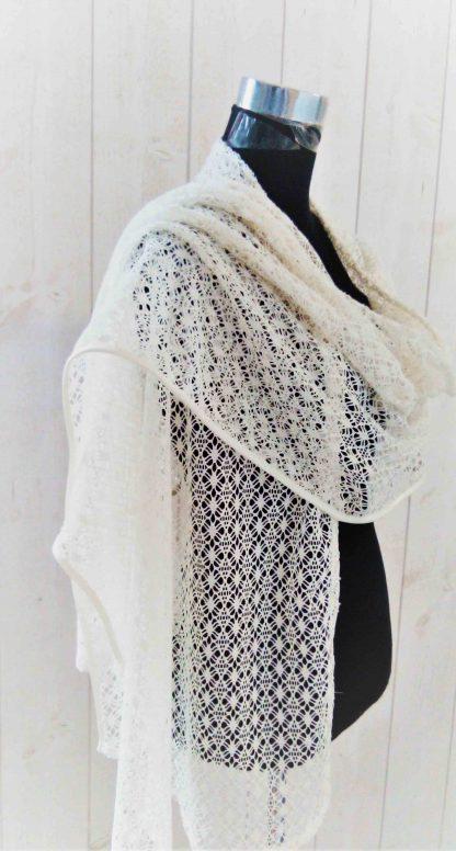 étole châle blanc cassé al'atelier de la couture
