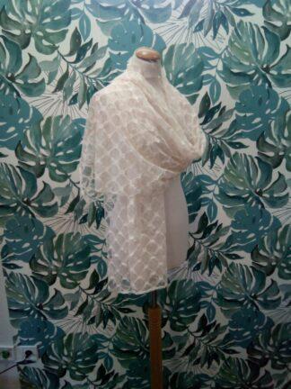 Étole châle en crochet de coton crème