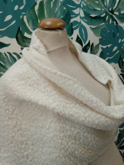Châle en laine bouclette ivoire